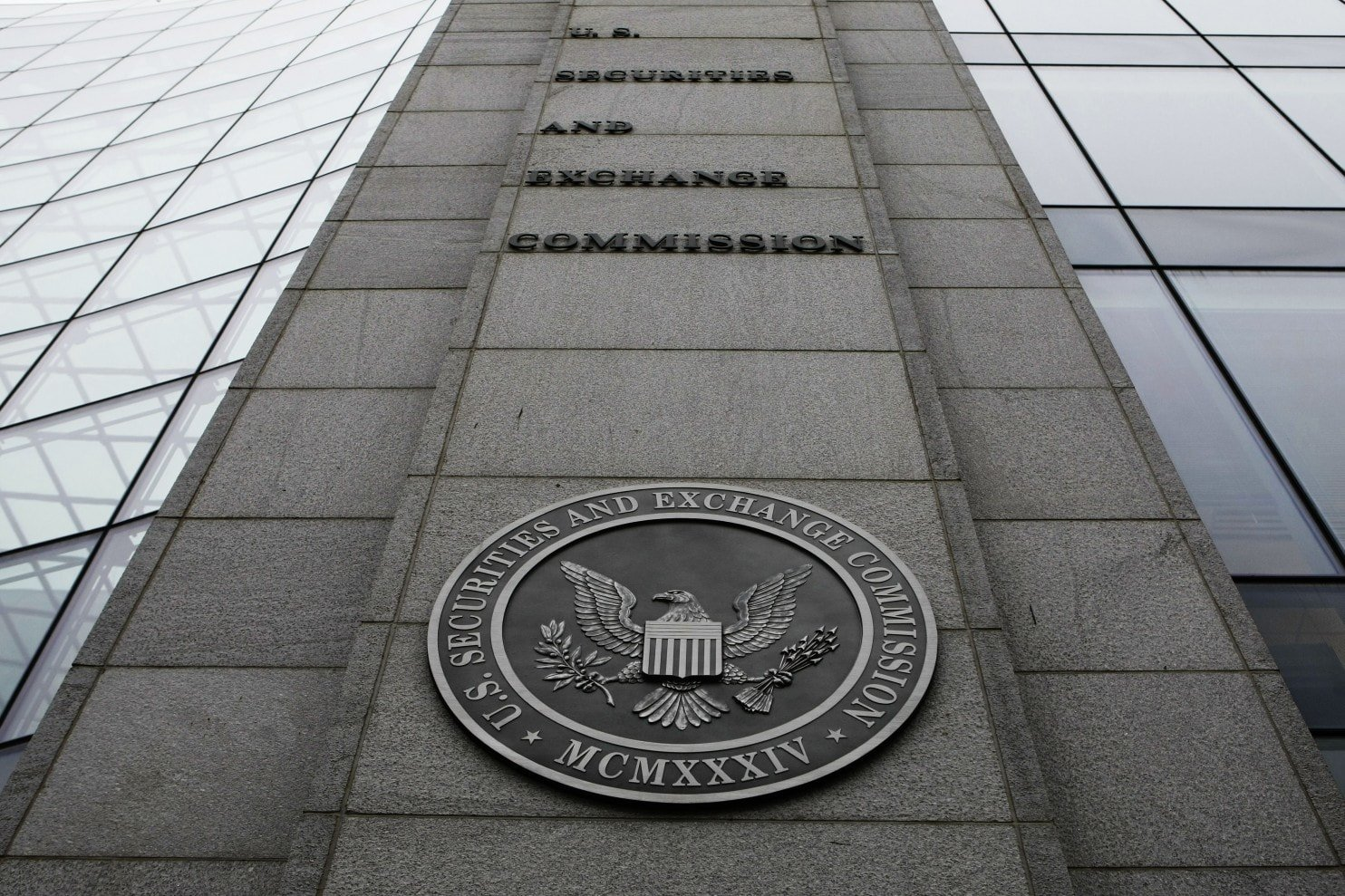 SEC Intensifies Probe Into Biotech-Turned-Crypto Mining Firm Blockchain Riot