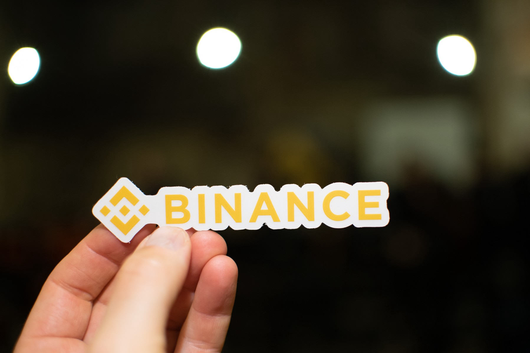 Binance Quietly Launches Ruble Trading for 'Top-10 Market' Russia