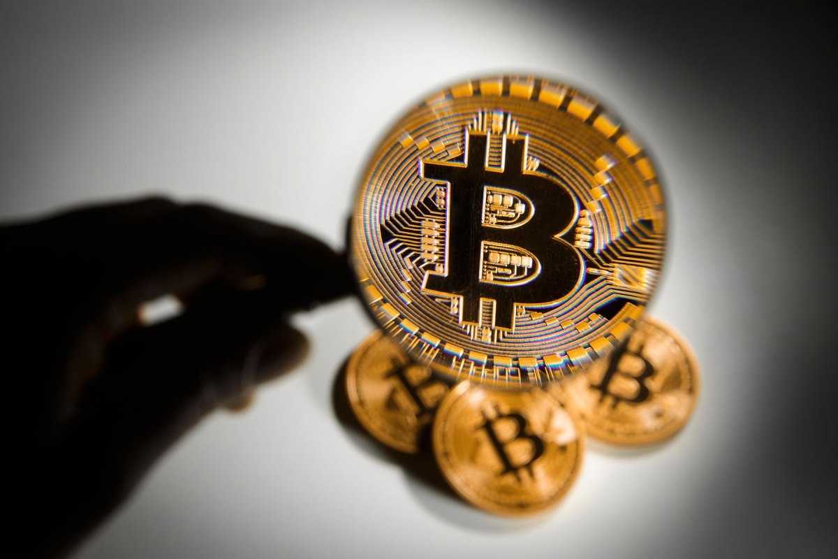 Ron Paul Survey Reveals Most Prefer Bitcoin for 10-Year Investment