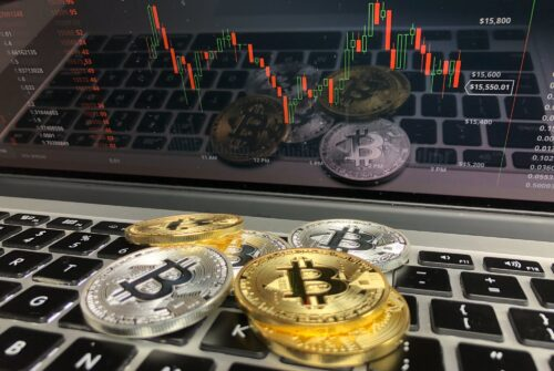 Bitcoin Risk-Return a 'Different Beast' Compared to Amazon: Analyst