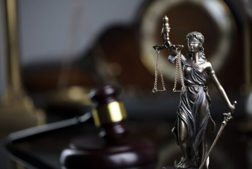 OneCoin Founder's Brother Agrees to Testify Against Sister in Settlement