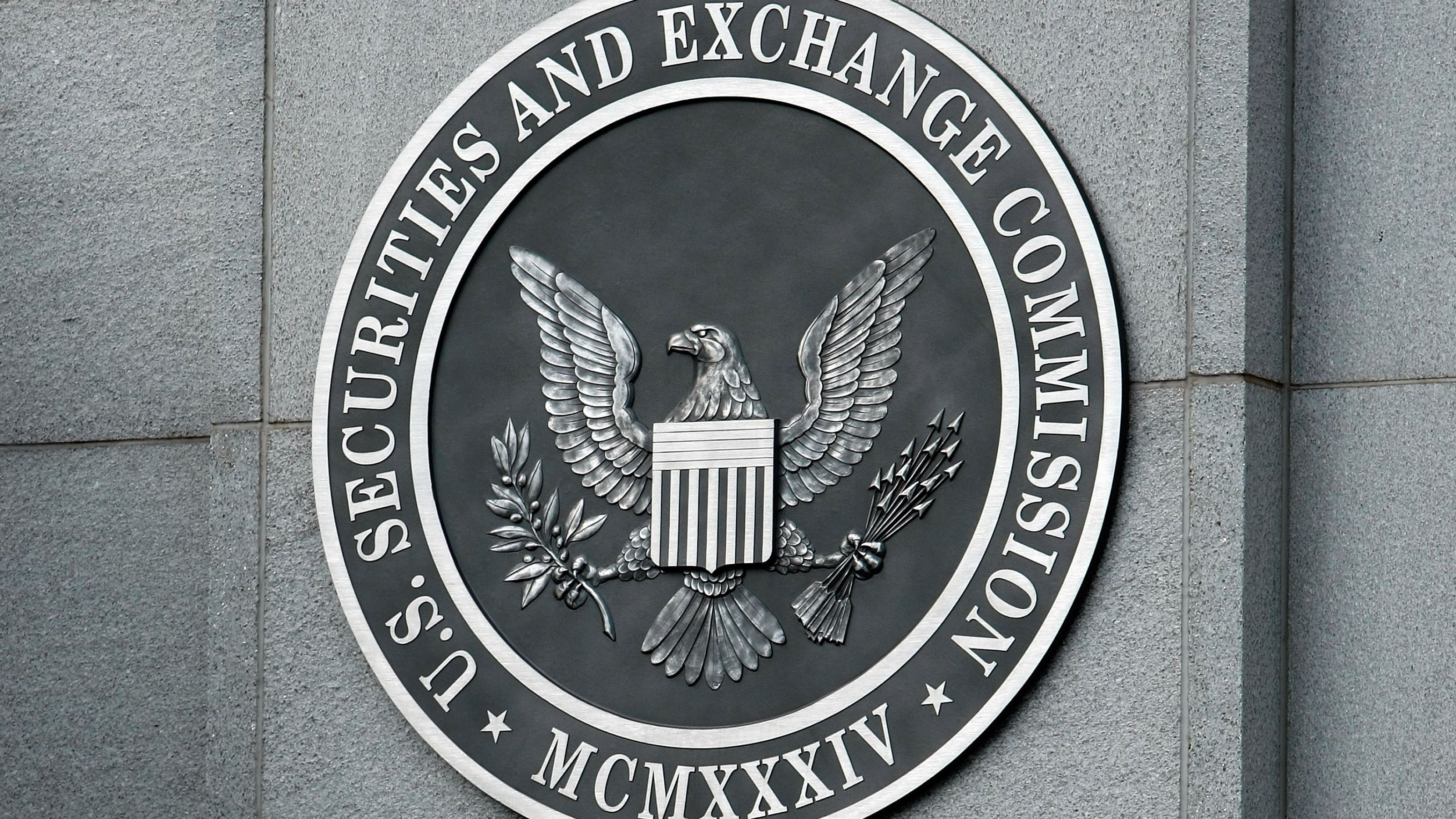US SEC Commissioner Dissents From Agency's Rejection of Winklevoss Bitcoin ETF
