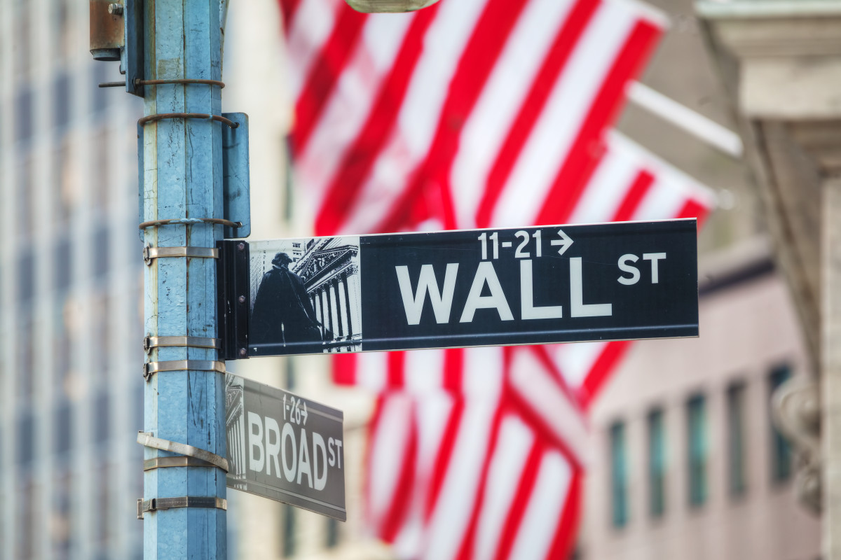 Wall Street's EF Hutton Wants to Raise $60 Mln Issuing Crypto 'Instruments, Coins, Tokens'